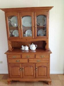 Roxton Maple Hutch Buy And Sell Furniture In Ontario Kijiji Classifieds