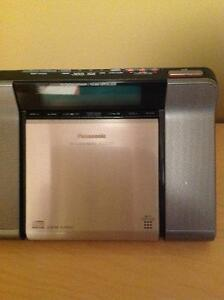 Panasonic clock radio with CD
