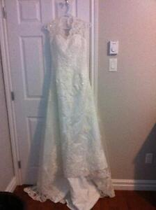 Wedding Dress for Sale- Never worn
