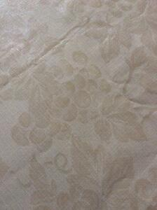 Flannel Backing Beige Table Cloth Cambridge Kitchener Area image 3