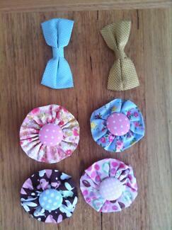 Oobi girls hair clips / rosettes