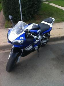 #237/1000 collectors 2001 YZF  R6