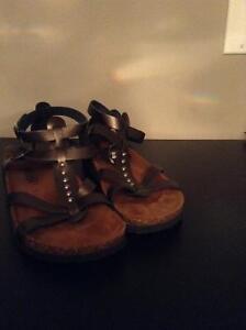 Metallic gladiators sandals