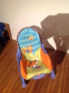 Chaise chaise bercante buy sell items tickets or tech for Chaise bercante kijiji
