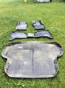 1996-2004 Nissan Pathfinder Husky All Wheather Car Floor Liners