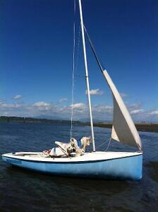 Used Albacore 15' sailboat for sale