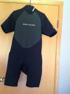 Men's wet suit for watersports