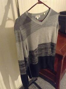 Mens Guess sweater large