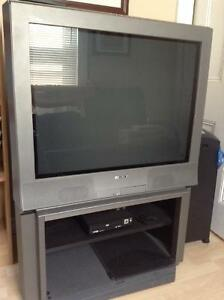"33"" Sony Trinitron on base/stand"