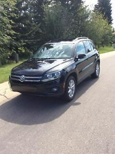 *REDUCED* 2012 Volkswagen Tiguan Comfortline SUV Crossover  AWD