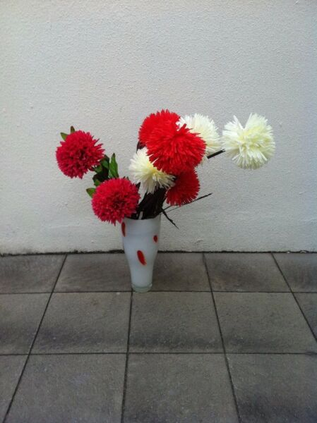 Ikea Vase with flowers. In good condition.