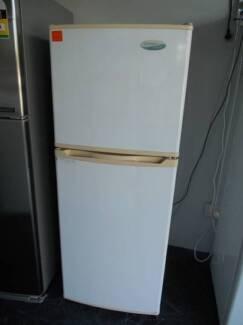 Second hand Fridge Freezer Westinghouse 215 Litre (SFF 507)