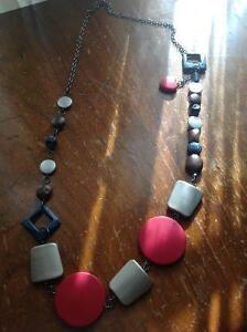Colliers à vendre : bijoux fantaisie