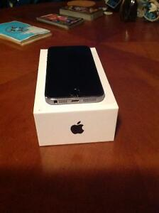 iPhone 5S a vendre (for sale IPhone 5S)