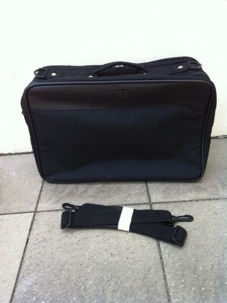 BREE laptop cum daytrip bag. Brand new and never used before. Come with a toiletries case.
