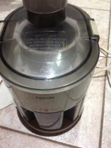 This is very georgeous Philips Juicer in an excellent condition