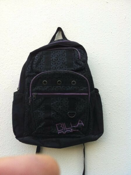 Genuine Billabong haversack. Hardly use and in good condition.