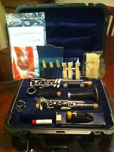 Selmer Model CL300 Clarinet W/ Case and Accessories