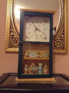 WALL CLOCK WITH CHERISHED TEDDY FIGURES