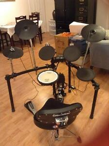 ROLAND TD 4KP ELECTRIC DRUM KIT FOR SALE
