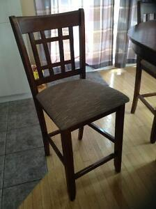 Solid wood dining set West Island Greater Montréal image 3