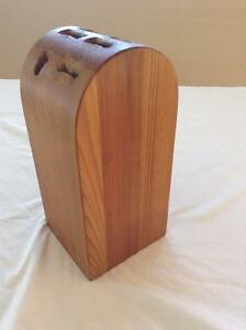 WOOD KNIFE BLOCK