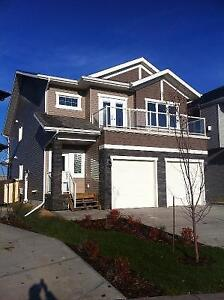 SW EDMONTON CREEKWOOD 3 BDR 2 BATH - SEPTEMBER 1ST