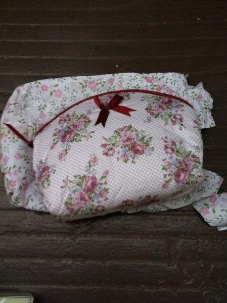 NaRaya Brand new and never use yet Floral toiletries pouch.