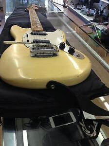 Guitare electrique Fender Mustang 1976 made in usa