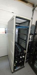 HP  rack cabinet  42U   clean  side doors