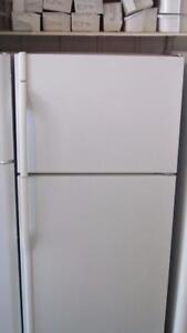 Réfrigérateur  Livrée: essence seulement