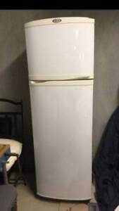 Can deliver, Whirlpool 270 liter fridge in very good condition Parramatta Parramatta Area Preview