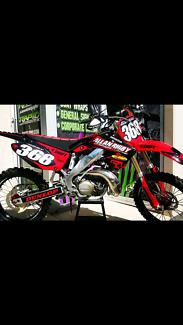 2006 CR250