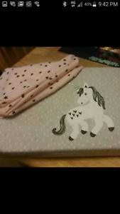 Single bed unicorn doona cover and pillowcase Cheltenham Kingston Area Preview