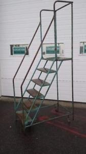 Escalier mobile 160$ telquel ou 260$ repeint