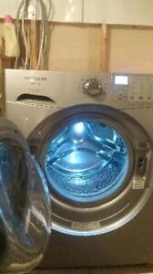 Laveuse sécheuse de marque frigidaire affinity Possibilité de livraison