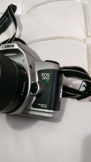 Canon EOS-500N 35mm SLR film camera