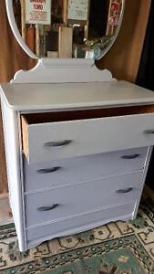 4 Drawer Dresser and Mirror London Ontario image 2