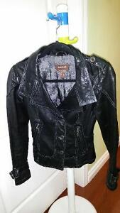 Women's Danier Italian Leather Jacket  EXCELLENT USED CONDITION