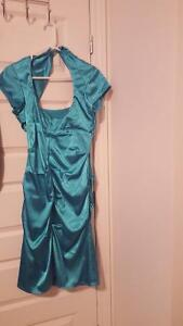 dress never used for sale / robe non usée  a vendre