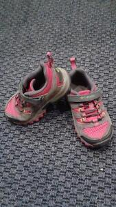 Size 8 Columbia Running Shoes