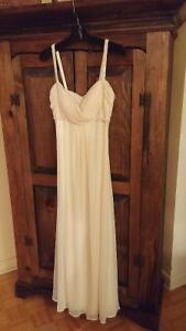Beautiful, elegant long pale yellow sequented dress.