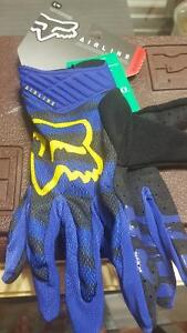 Hi I am selling a pair of dirtbike gloves