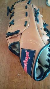 MacGregor Baseball Glove for Child London Ontario image 1