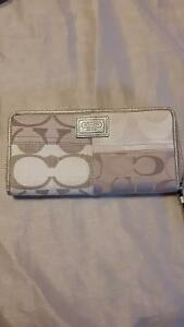 ***NEW COACH WALLET***