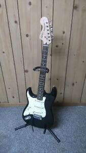 Fender Squier Stratocaster Standard 2004 Black w/sparkle lefty