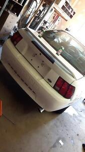 2001 Ford Mustang Base Coupe (2 door)