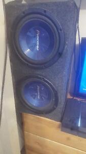 "Two 12"" Pioneer subwoofers in box Stratford Kitchener Area image 2"