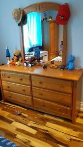 100% wood furniture for boys or girls bedroom MINT CONDITION