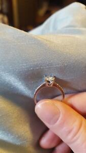 Cluster engagement ring 200$